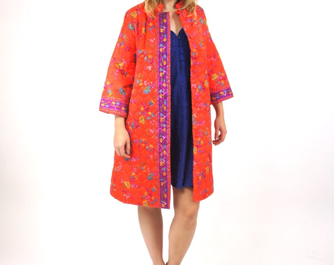 Psychedelic Quilted Button Down / Bracelet Sleeve / Warm Winter Coat Vintage Size Medium / Large