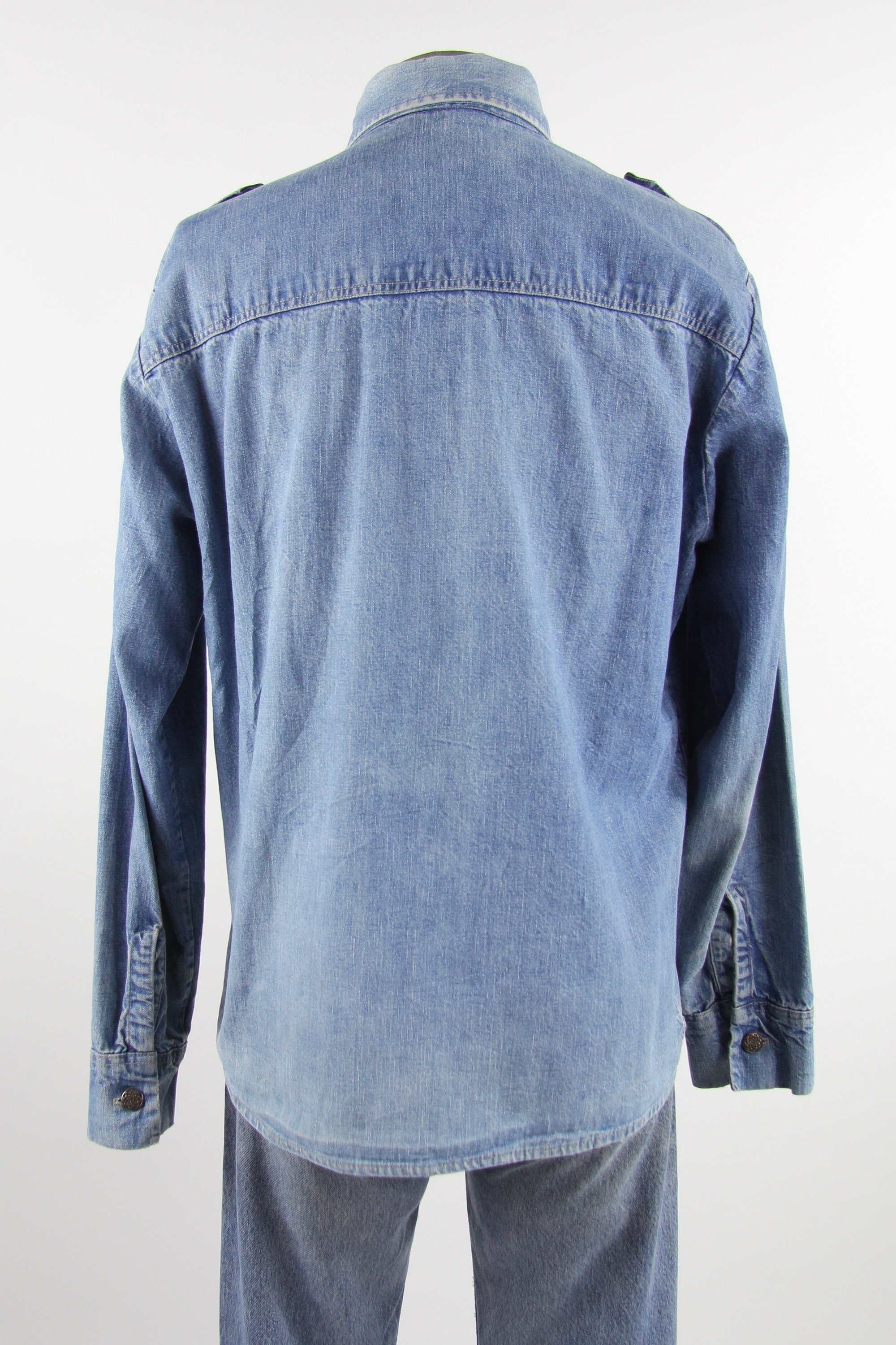 0ba559b68d2 Men s Chambray Shirt Light Wash Denim Button Up 70 s Jean Shirt Size ...