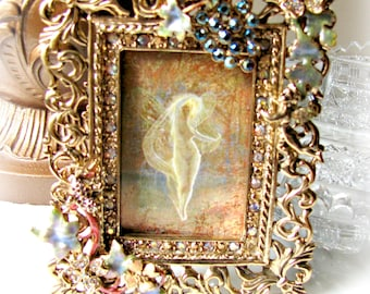 Kirks Folly Angel Vineyard Jeweled Frame, Gold Tone, Easel Back, 2 x 3 picture, Cherub, Faerie, Enamel and Rhinestones, Grapes and Leaves