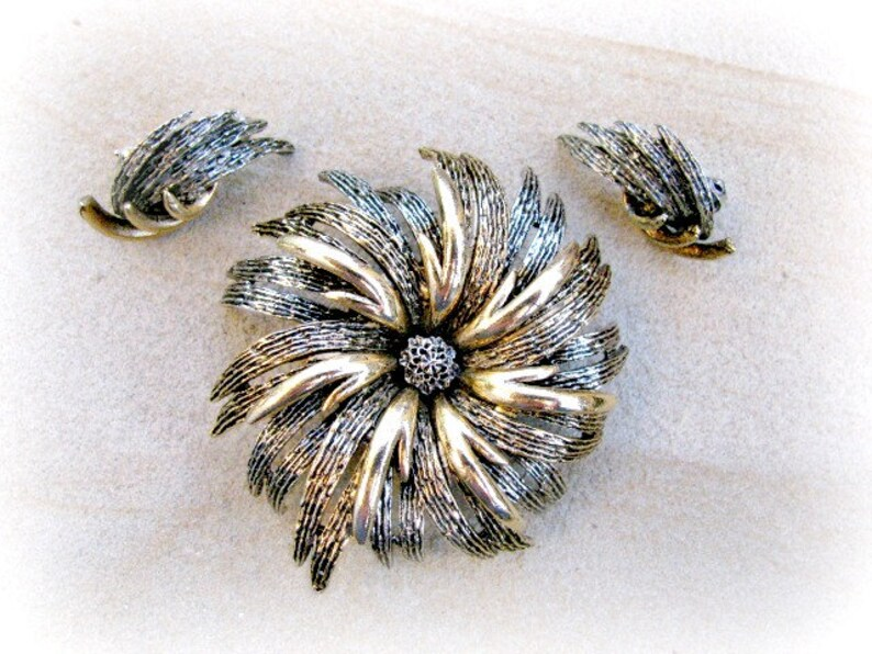Flower Brooch and Earring Set Antiqued Gold Mum image 0