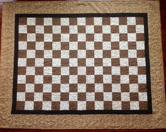 Froggy Fun Brown Checkerboard Quilt