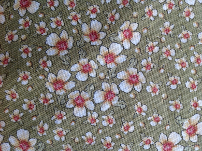 b03e6e05081d7 Bella by Ro Gregg for Northcott Fabrics/Quilting Sewing Craft Fabric/Small  Scale Floral Print/Flowers/Blooms/HALF YARD Pricing