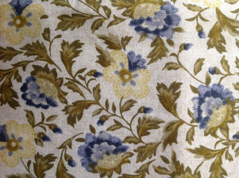 ed11f2ffd4c8b Monticello by Jinny Beyer for RjR Fabrics/Quilting Sewing Fabric/Small  Scale Floral/Blues Greens Cream/Light Background/HALF Yard Pricing