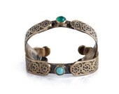 Green Agate stone  gold stars cuff retro antique boho Vintage style adjustable in solid bronze-made to order