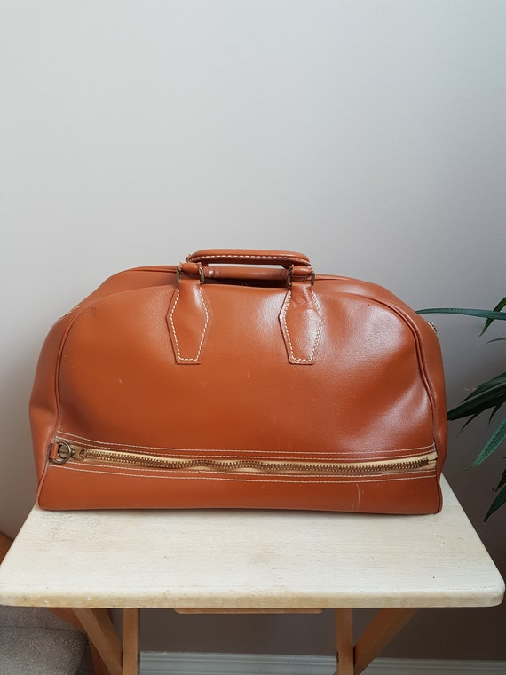 Sale. Mc Brine Baggage Vintage Travel BagLuggage. Caramel Brown Carry on bag. Vintage Travel Luggage Bag. Made in Canada Bag..