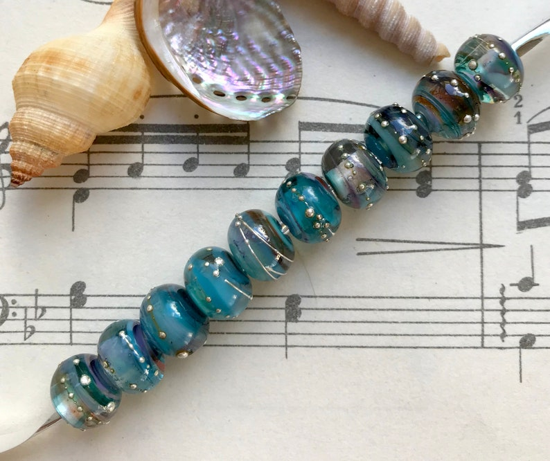 10 x Handmade Lampworked Glass Navajo Sky Blue Brown Blend Pure Silver Trailed Beads 10mm x 8mm