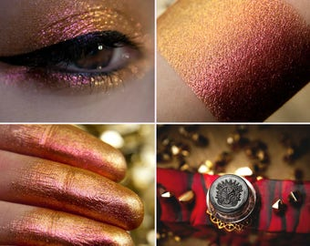 Eyeshadow: Dragon's Joy - Dragonblood. Golden-pink shimmering eyeshadow by SIGIL inspired.