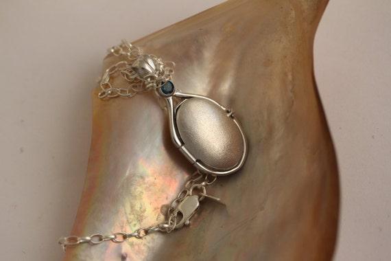 .925 Sterling Silver 4 mm Nat London Blue Topaz Locket H2O Just Add Water Locket