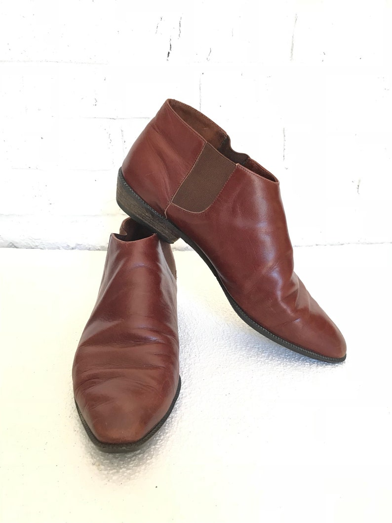4cc3aeeb94d81 Vintage Women's Size 6 Brown Leather Ankle Boots
