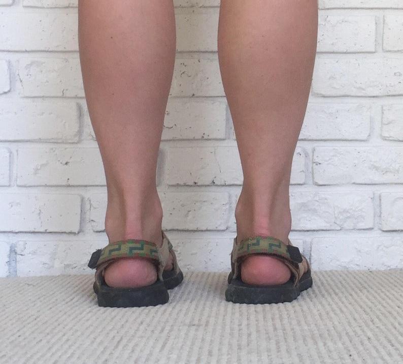 4debb9789338 90 s Women s Size 9 Nike ACG Sandals