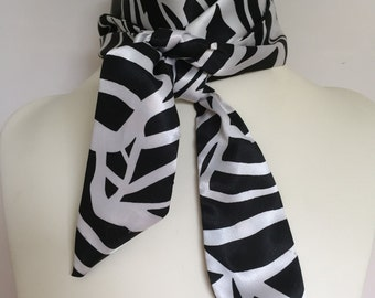 Narrow Black and White Bow Tie Neck Scarf