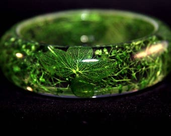 SALE 60%Handmade Real flower Botanical resin bangle bracelet.{ZY-77}Size 64 mm,height 23 mm. Free USA shipping!