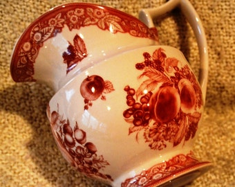 FRENCH PITCHER Jug by Godinger  Vint TANSFERWARE Antique Reflections,Country,Water/Milk Jug, Pitcher, Gravy Boat ,Light Red & White ,Mint.