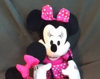 VALENTINE Plush, MUSICAL MINNIE Mouse..Press button for lovely Music She moves.Pink Satin Dress & Bow with hearts, Added Great Pretend Ears
