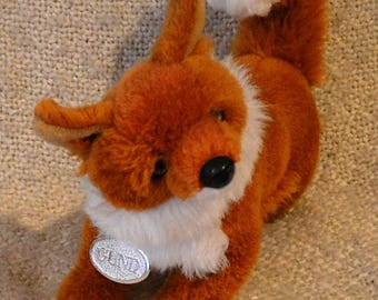 """GUND FOX PLUSH Vintage 1990, Brown with White trim. 11"""" Nose to Tail. With Gund silver Tag. Glass Eyes, Wood Nose."""