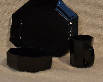 """ARCOROC DINNERWARE Black Glass, Disc. Pattern """"Octime"""", OCTAGONAL ,Vint. 80s, Made in France, Serv for 2, 6 pieces, 2 Din, 2 Bowls, 2 Mugs."""