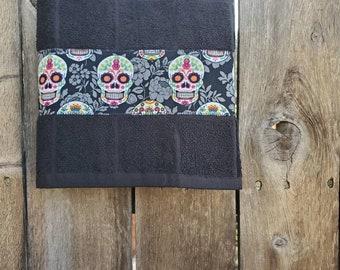 Sugar skulls towel, Day of the dead decor, dios de los muertos towel, kitchen towel, hand towel, tea towel, sugar skulls, hostess gift,
