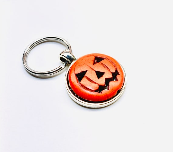 Pumpkin Keychain SMALL Orange Maple Leaf Keychain Autumn Keychain Fall Keychain Halloween Personalized Keychain Custom Initial Keychain