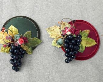 Headpiece Hütchen Fascinator Herbst Thanksgiving Erntedank Haarschmuck Trauben Wein Weinlese Kopfschmuck Tweed Hagebutten bordeaux grün