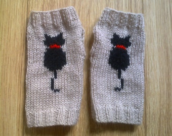 Wrist warmers - cat - kitty - beige black red - fingerless gloves