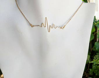 wife gift - mother gift - daughter - Who does your Heart beat for - Heartbeat necklace - ekg -