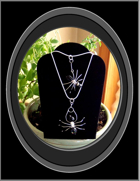 Halloweeen, spider jewelry,spider necklace,spider web jewelry,,halloween jewelry,gothic jewelrty,spider lovers,statement jewelry