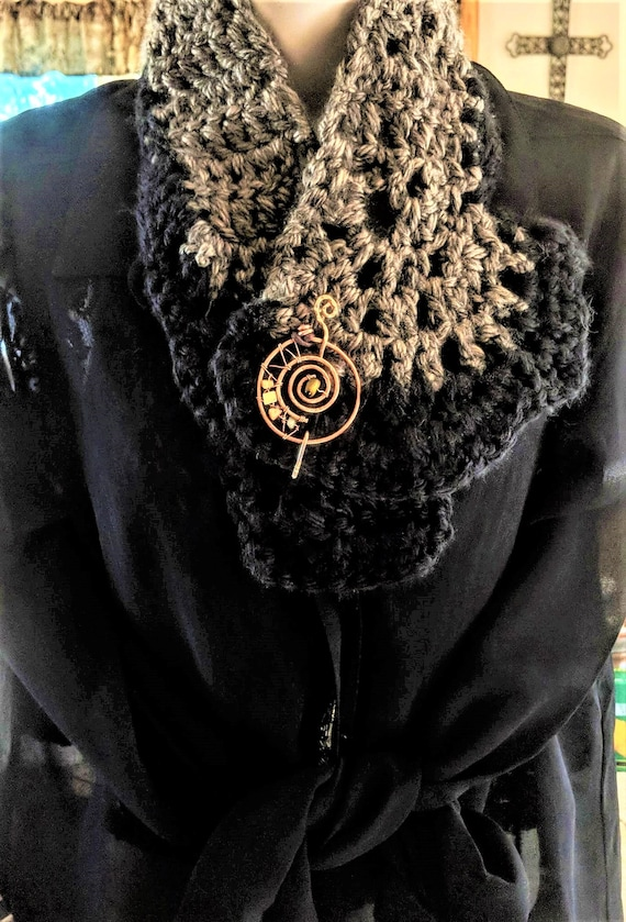 Necklace scarf,  scarf, necklace, crochet, necklace scarf, Music pin, Brooch,  Shaw Pin, Scarf Pin, Sweater Pin, artistic creations by rose