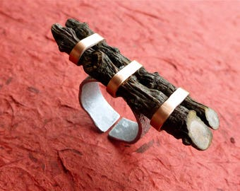 Natural eco - aluminium textured by hammering and copper - organic ring - Adjustable ring wooden ring