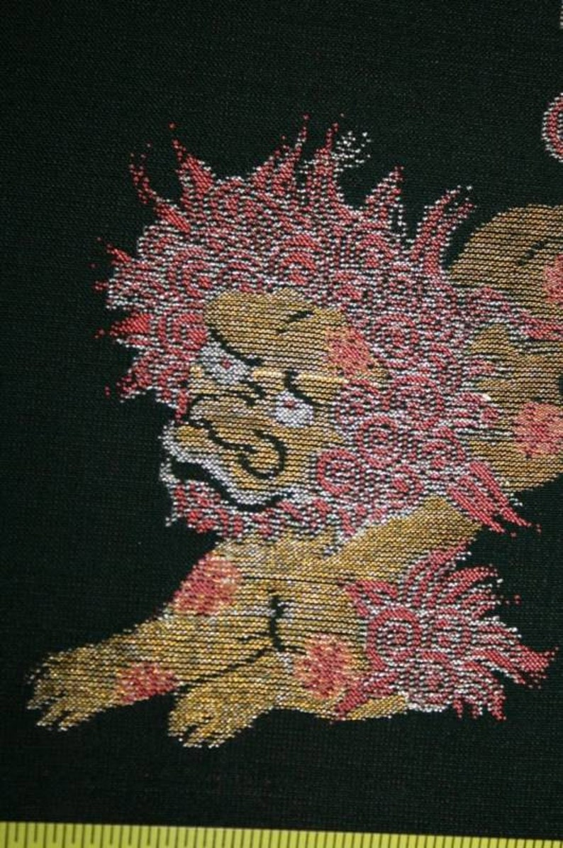 SF167 Vintage Japanese Embroidered Shi Shi Dogs on Dark Green image 0