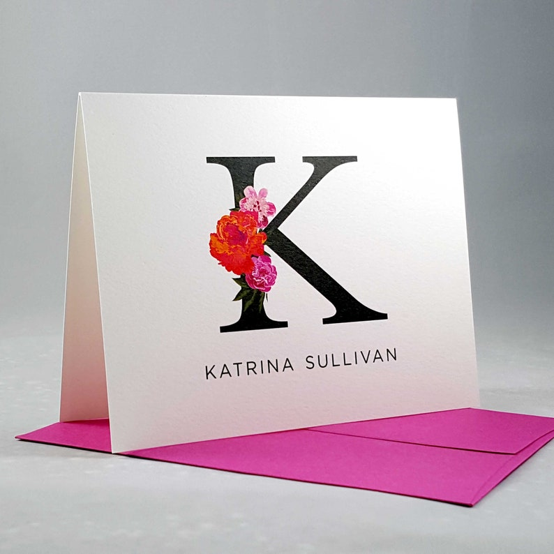 Stationary Set of Folded Notecards Personalized for Women  image 0