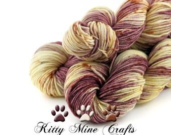 75/25 Superwash Merino/Nylon DK Yarn in Be Mine - 245yds/ 224m - Phat Fiber Victorian Valentine Box - Speckle Dyed Yarn - Cream, Mauve, Rust