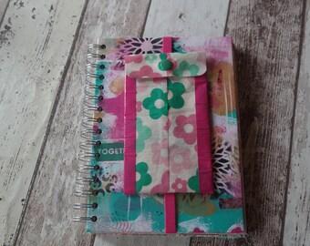 Art Journal/smash book, size 15 x 21 cm