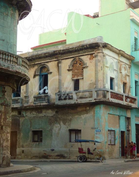 Street Corner in Havana, Cuba (PR) (Canvas)
