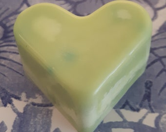 Grapefruit wax melts.  Vegan eco friendly soy wax melts.  Hand poured scented soy wax melts for oil burners.  Made in Wales