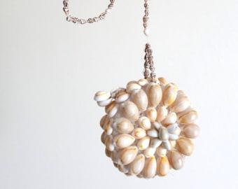 Vintage seashell coin purse / folk boho chic accessories mode pin up tiki