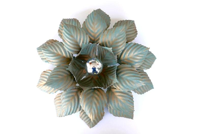 Plafoniera Fiori Bianca : Grande muraglia o plafoniera fiore metallo verde e oro anni etsy