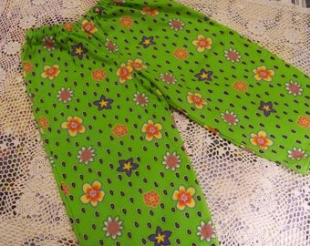 Girl's Sleep Capris - Size 10 - Flowers On Lime Green - An Original Lucy Littles Creation 014