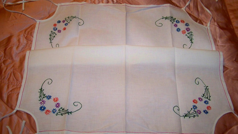 Vintage Hand Embroidered Bridge Table Cloth  Card Table Cover Cecelia-Marie 149