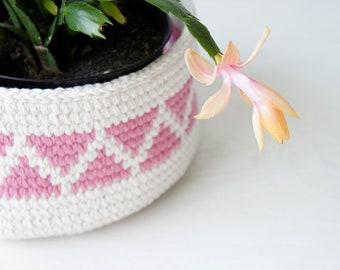 Geometric Crochet Basket with Triangles and Chevron, PDF Crochet Pattern