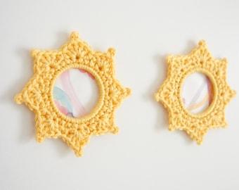 "Crochet Picture Frame ""Daffodil"" - Complete Beginner's Guide"