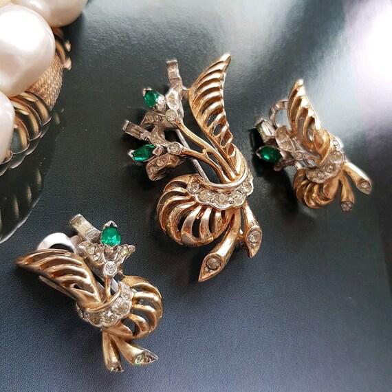 Vintage Reja brooch and clip on earrings flower se