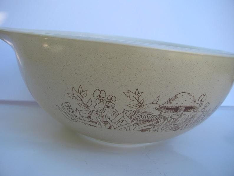 2.5 litre #443 Mixing Bowl Beige /& Brown Mushroom Forest Pattern 1980s Excellent Condition Vintage Pyrex Forest Fancies Cinderella Bowl