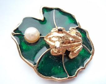 Vintage Signed JJ Goldtone/Green Small Frog on Lilypad Brooch/Pin