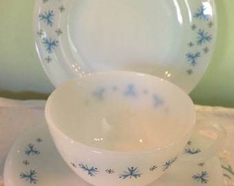 Phoenix glass Atomic Snowflake trio cup saucer side plate milk glass