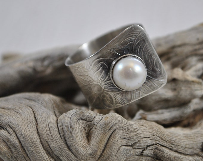 Sterling silver and large pearl adjustable ring, textured metal, boho, wide band, leaf design, sterling jewelry, handcrafted