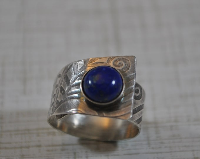 Sterling silver and Lapis Lazuli adjustable ring, textured metal, boho, wide band, floral design, sterling jewelry, handcrafted