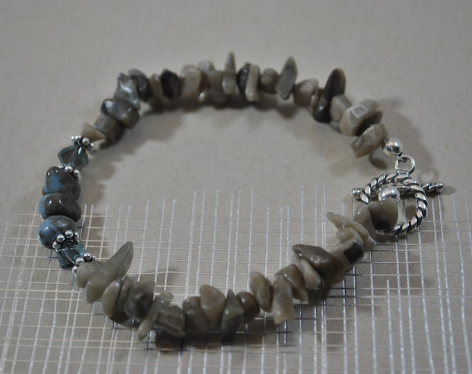 Petoskey Stone and Leland Blue bracelet with Petoskey stone chips, crystals, sterling silver beads, Up North bracelet, Michigan