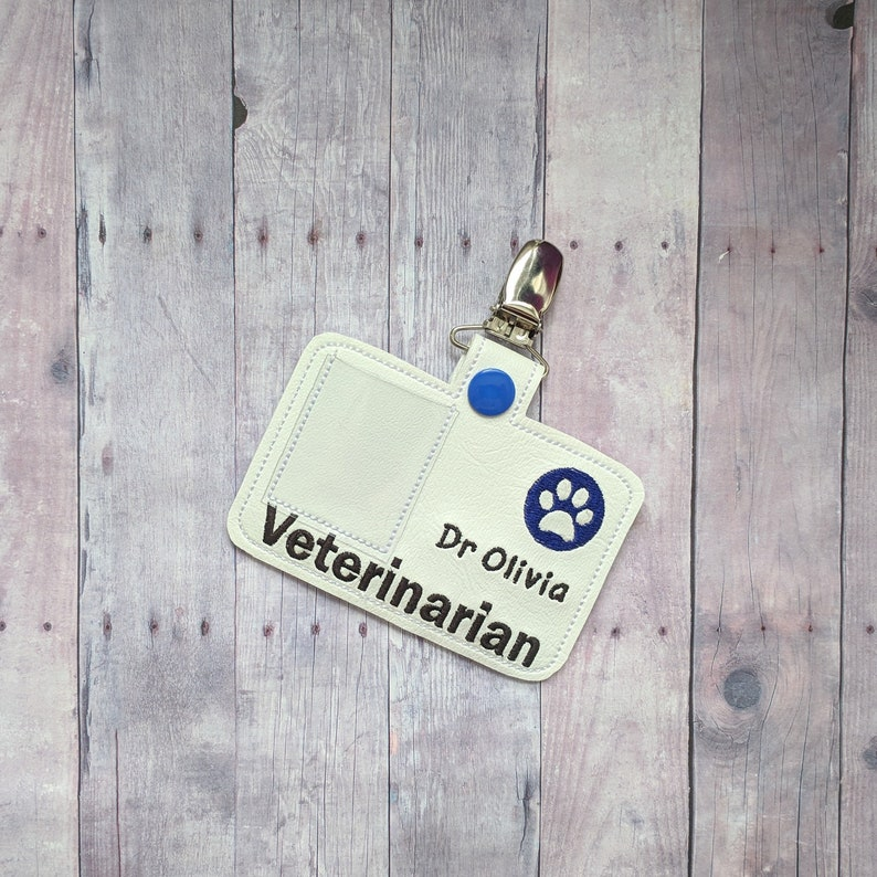 Pretend Veterinarian Badge White Vinyl with Metal Clip & Veterinarian