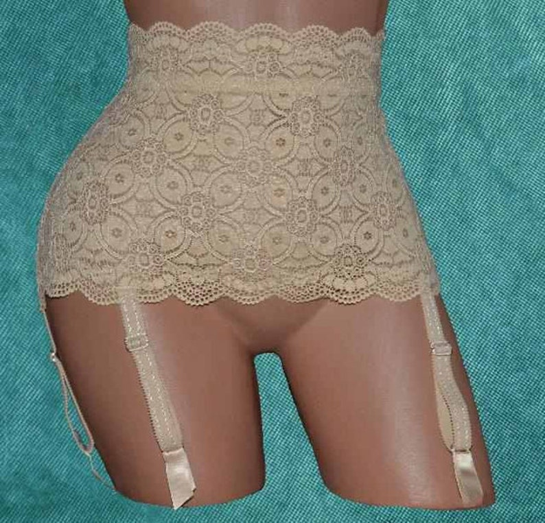 Skin-colored elast. Garter belt original Dresden lace size 8 image 0