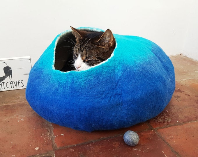 Cat Bed Cave House Cocoon Larger size Blue and Teal wool with FREE Ball Toy